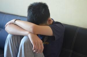 depressioon mänguealine väikelaps masendus kurb laps väsinud