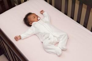 imik beebi magamine beebivoodi hällisurm madrats imiku äkksurma sündroom