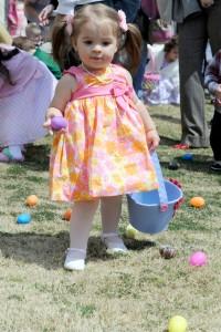 Misawa children experience an excellent eggstravaganza
