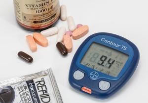diabeet suhkurtõbi suhkruhaigus insuliin veresuhkur kõrge glükoos glükomeeter lantsetid