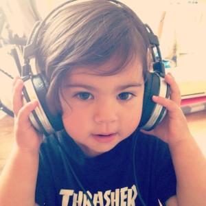 kuulmislangus kuulmine kuulmisraskused laps ei kuule kõrvakuulmine kõrvad kõrvapõletik kõrvaklapid
